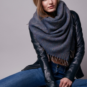 Lionesse-Winter-Fashion-Trends-2016-Oversized-Scarf